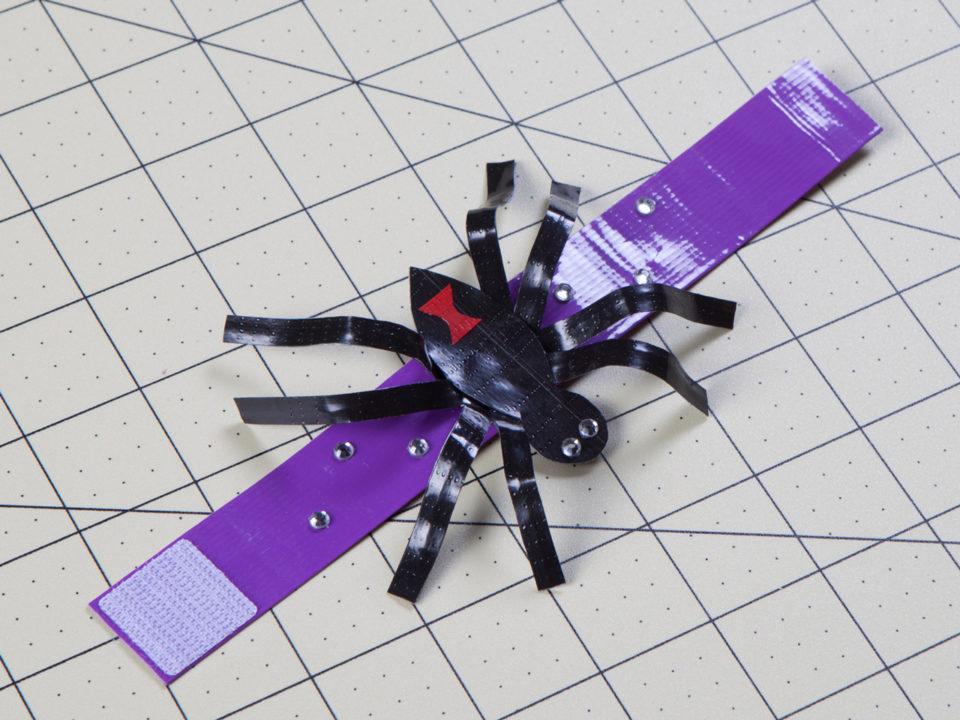 spider bracelet Duck Tape halloween crafts