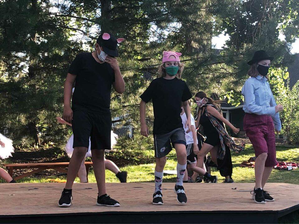 Kids at theatre camp